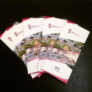 Brochures y folletos